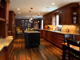 Bright and warm kitchen light can set a great atmosphere